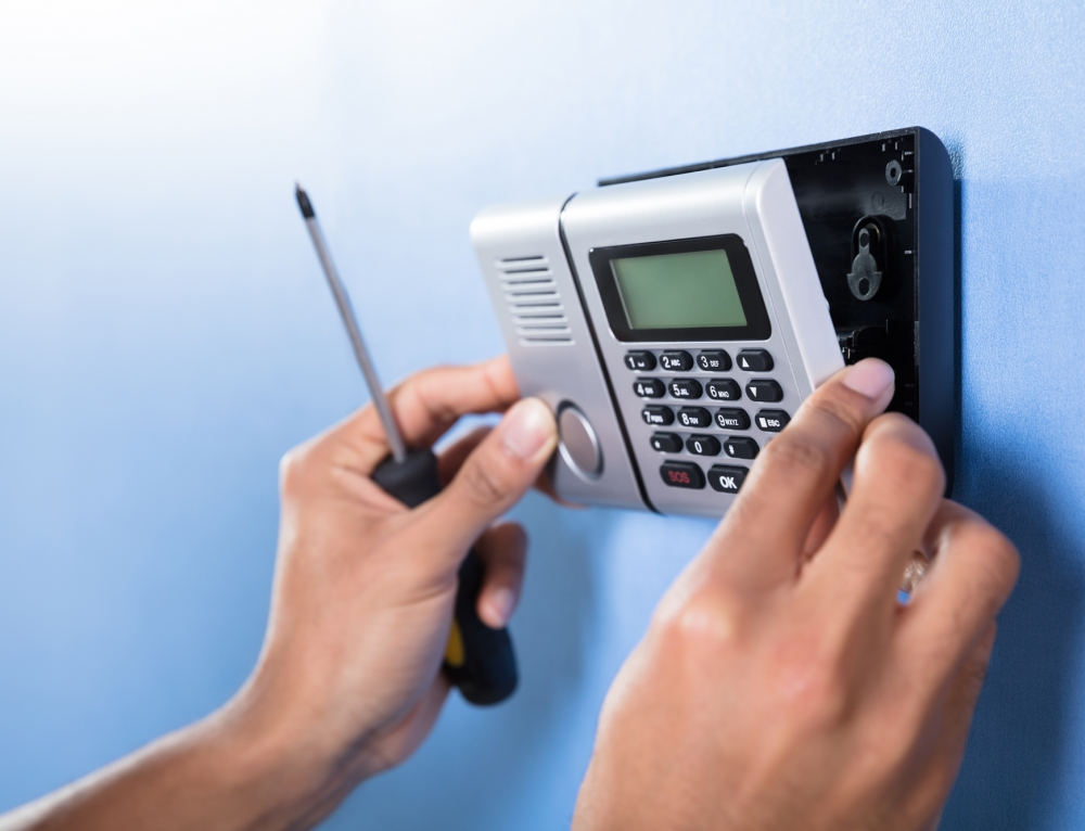 How Alarm Installers Can Win Against Today's Growing DIY Home Security Industry