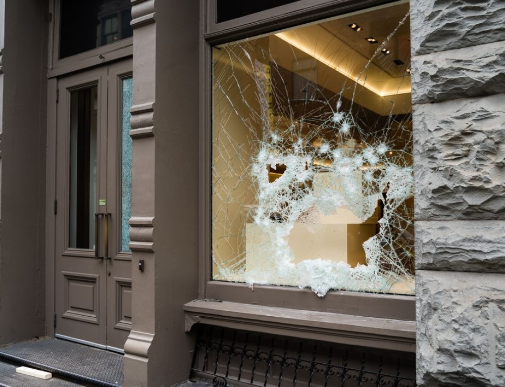Best Practices for Security Guards Preventing Property Damage